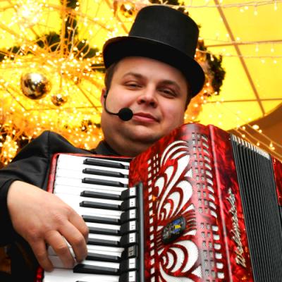 Adam Jakubiak - organizator udanych imprez dla dzieci i dorosłych
