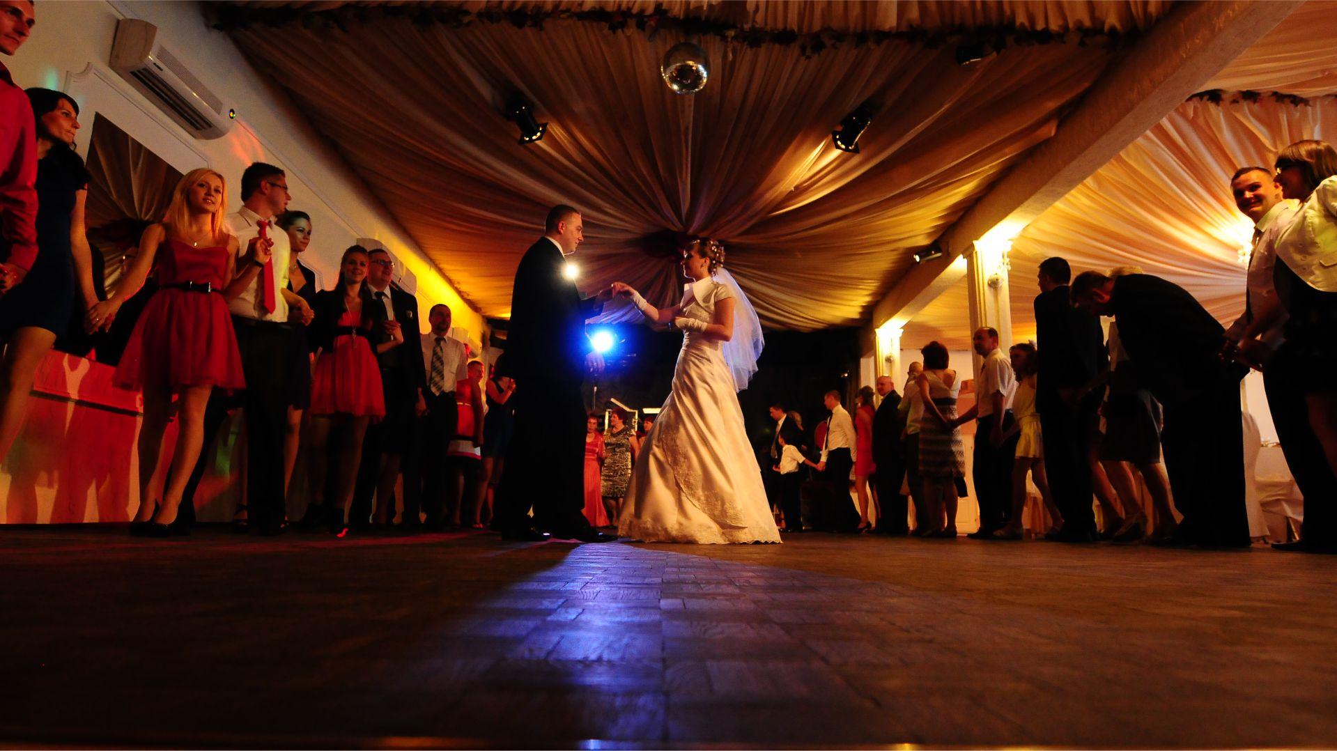DJ i Wodzirej na przyjęcie weselne Warszawa